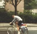 1982 07 06 Xxxx 001 Ehv Brussellaan Tonnie Gaat Op Vacantie
